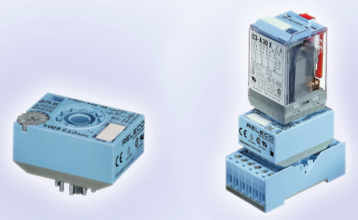 RELECO Time cubes series CT2 and CT3 with Socket and Relay